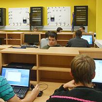Počítačové učebny - vybavení a SW